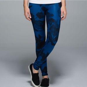 Lululemon Inky Blue WunderUnder leggings